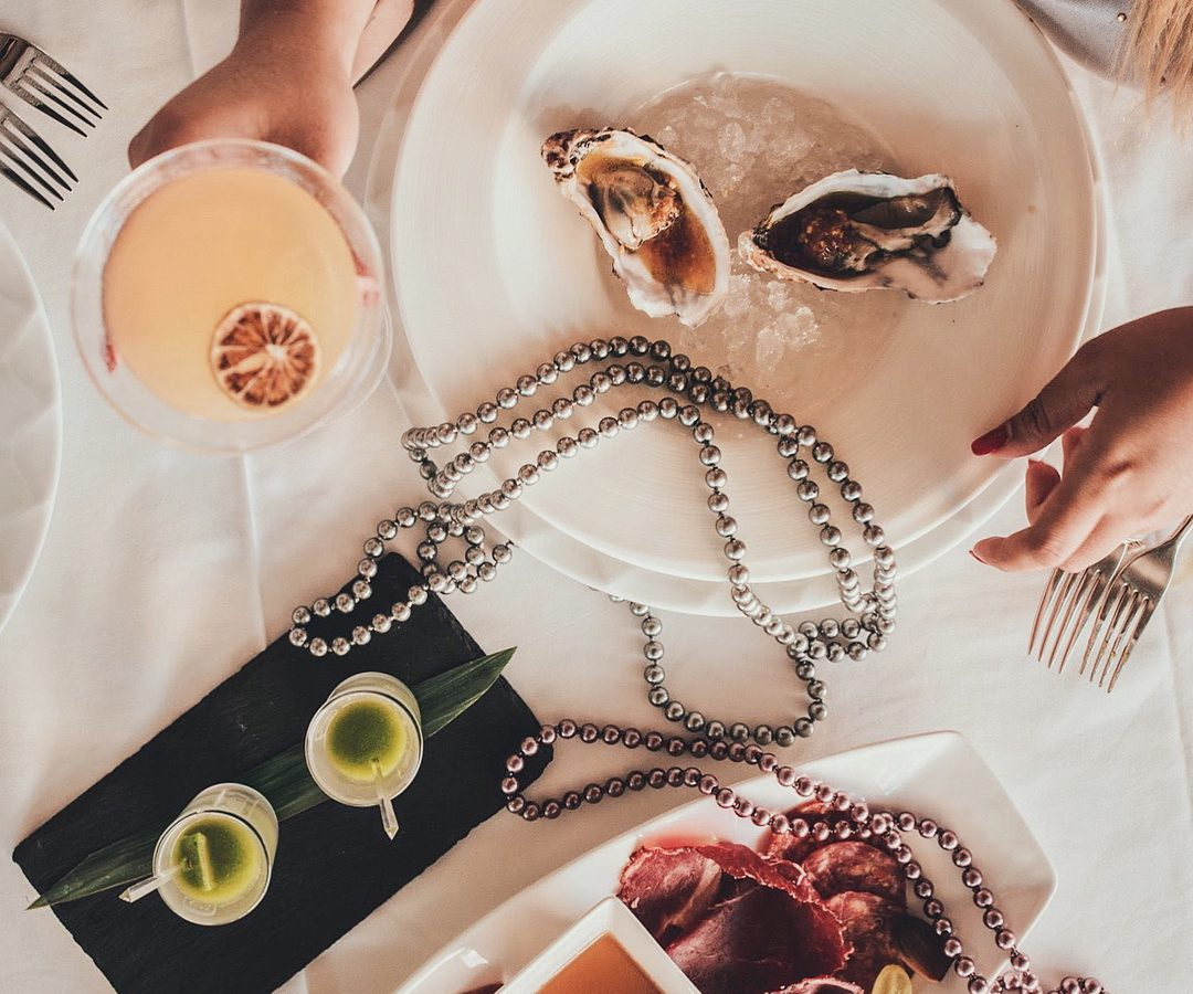 Feathers & Pearls Brunch At Aterlier M